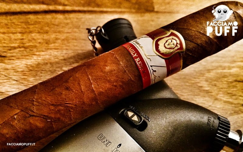 Fernando León Family Reserve Corona by La Aurora | Cigar Review | the Founder's Choice